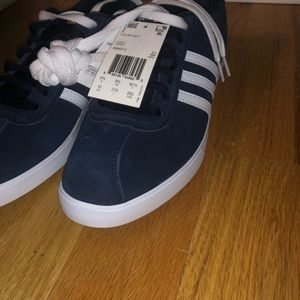 NWT Adidas sneakers. Never worn. Navy size 10